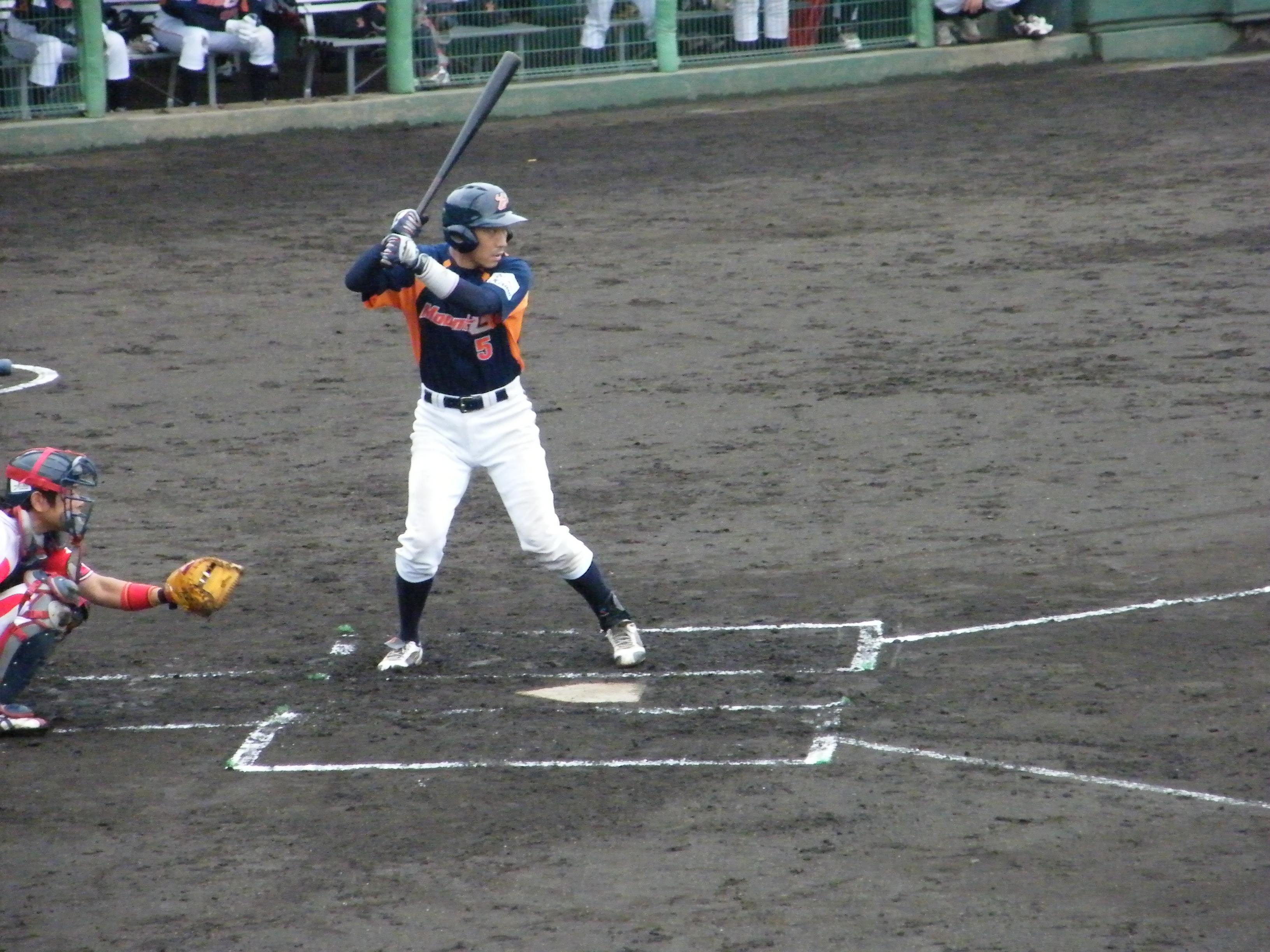 逆転の2塁打を放った野村泰三選手